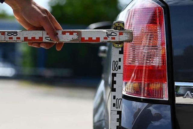 Geparkter Ford in Lörrach beschädigt – Polizei sucht Zeugen