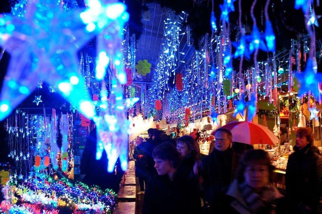 So wie auf dem Weihnachtsmarkt in Stra...oll es bald auch in New York aussehen.  | Foto: dpa