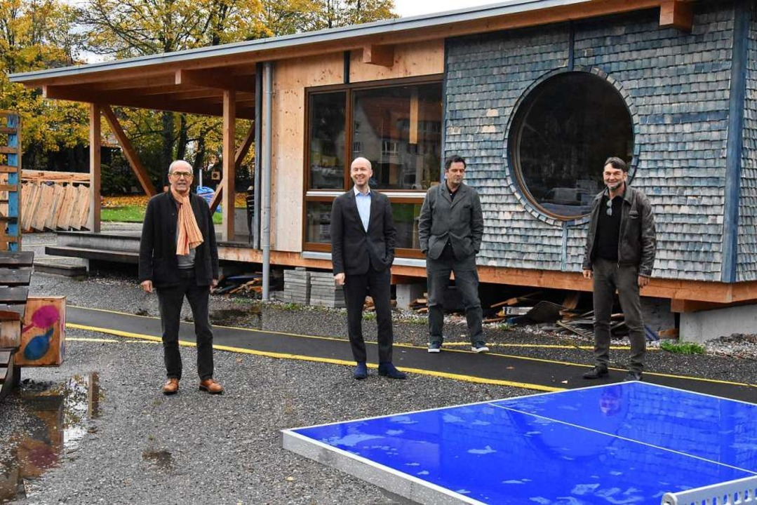 Hans Schöpflin, Tim Göbel, Christoph S...m Planungskiosk auf dem Fabric-Gelände  | Foto: Kathrin Ganter