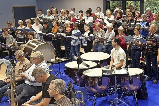 Kirchenkonzert mit 108 Musikern