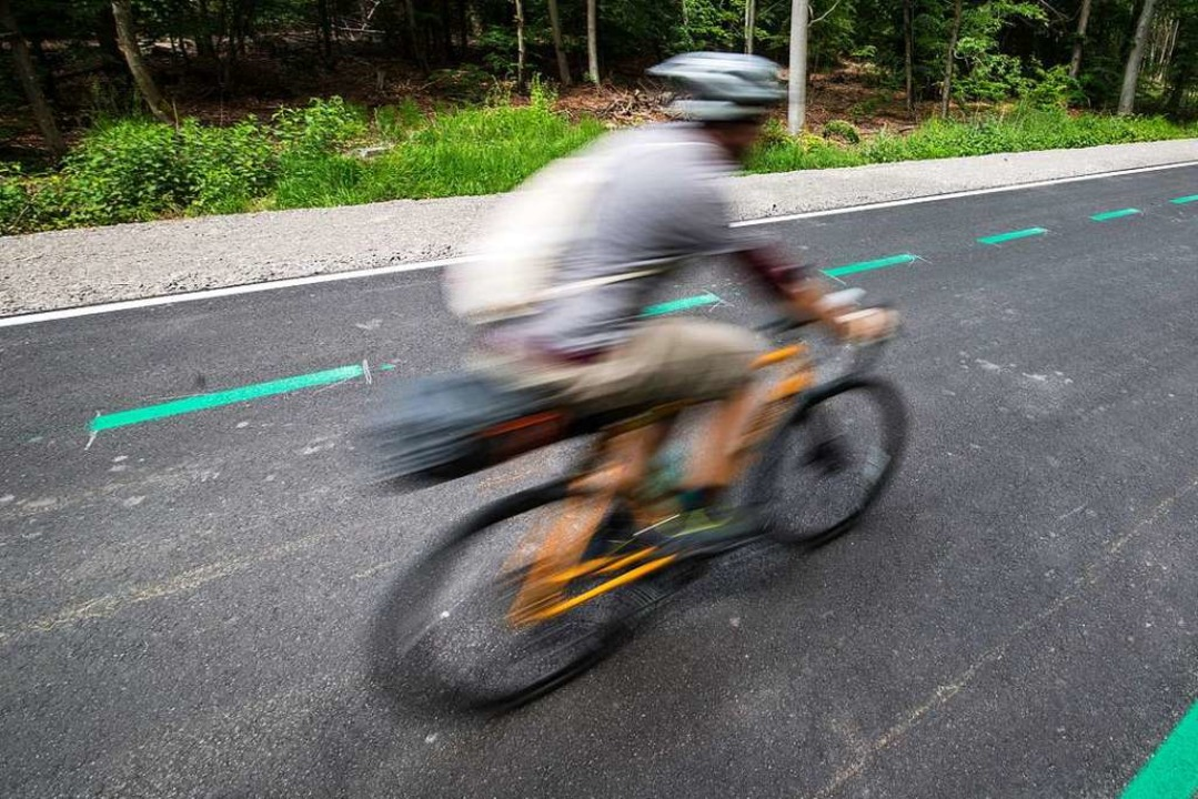 Zwischen Biengen und Mengen sollen Fah...n Radweg befahren können (Symbolbild).  | Foto: Christoph Schmidt (dpa)