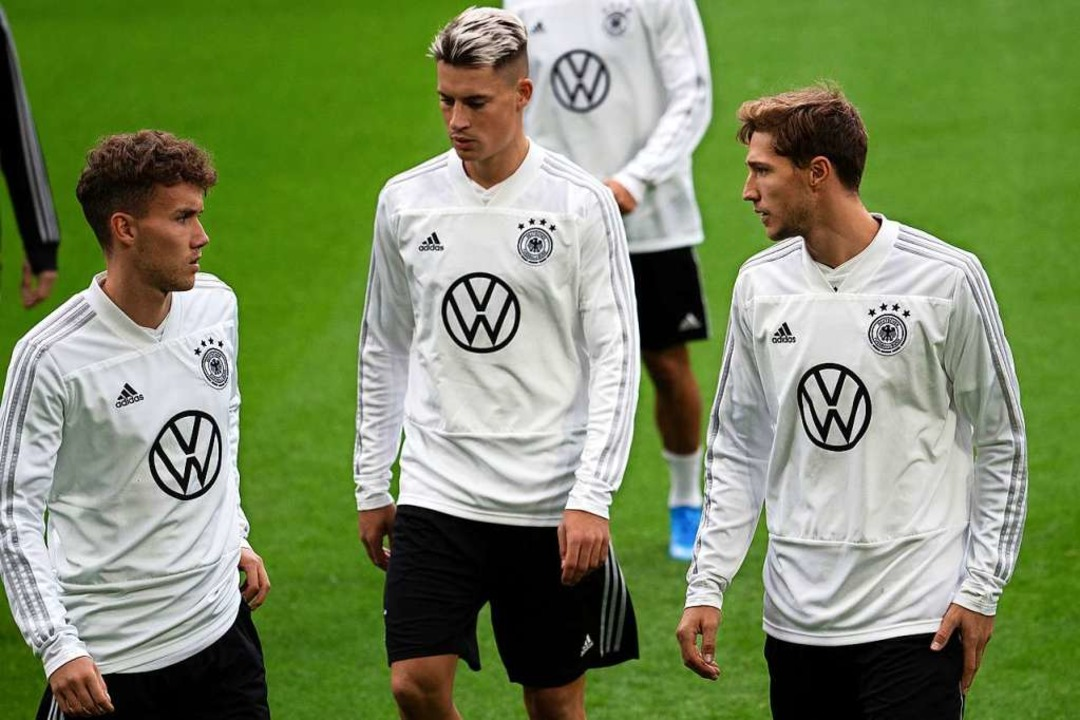 Die Freiburger Luca Waldschmidt (l.) u...ot der deutschen A-Nationalmannschaft.  | Foto: Federico Gambarini (dpa)