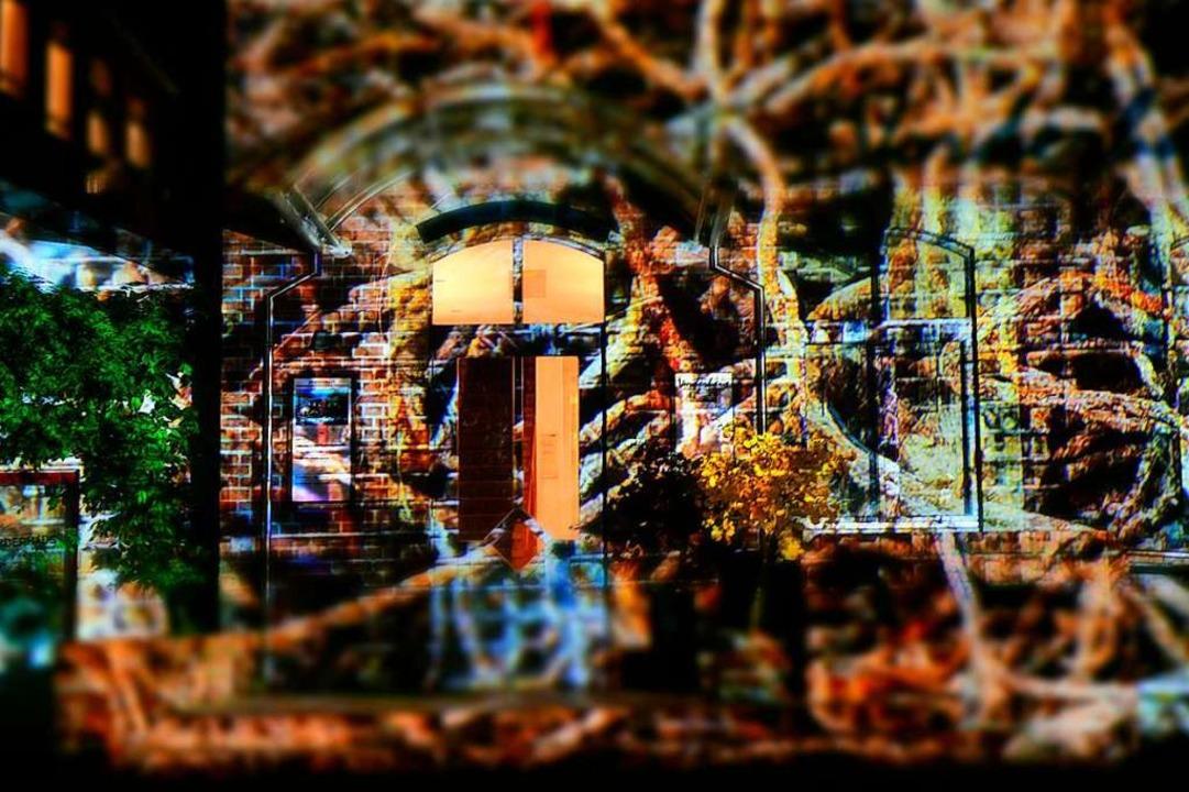 Das Vorderhaus mit Projektion.  | Foto: Thomas Kunz