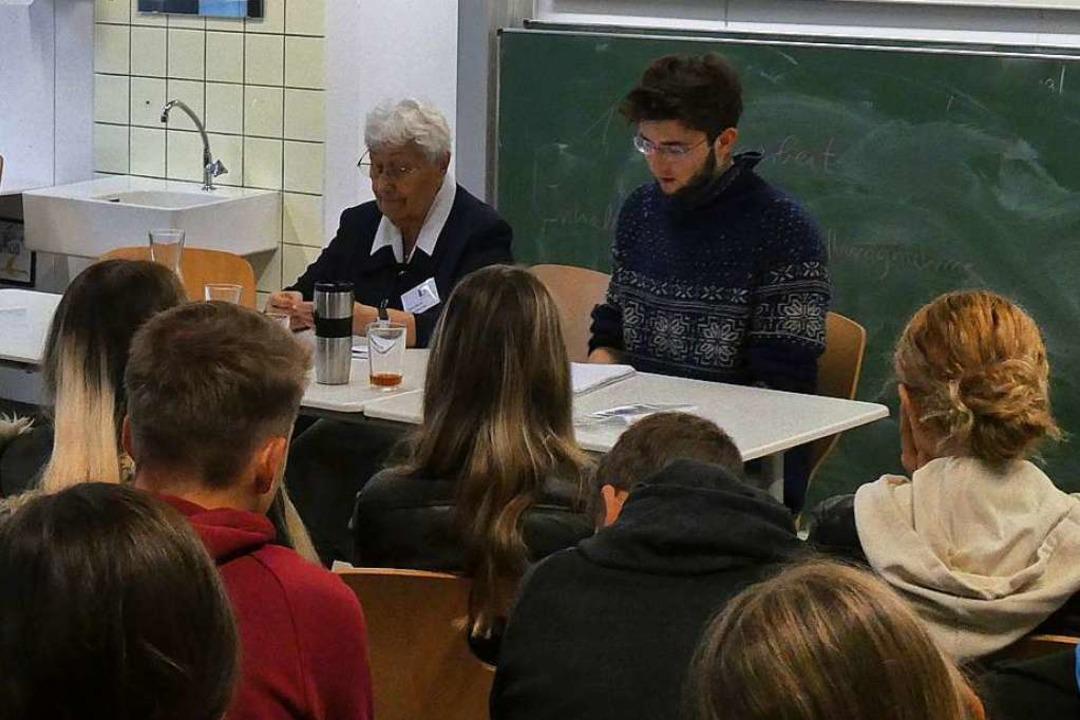 Zeitzeugengespräch mit Zehntklässlern der Realschule am Mauracher Berg  | Foto: Erik Kunz