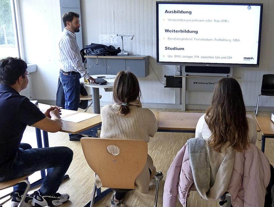 Markus Götzmann von der Firma Reservix...ber die Aufgaben eines Eventmanagers.   | Foto: Susanne Bremer