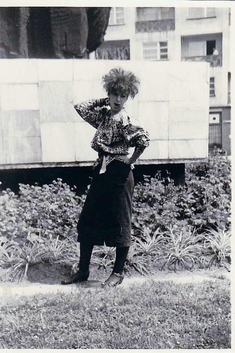 Im Stil einer New Waverin: Viola Hirsing Ende der 1980er-Jahre.  | Foto: Annemarie Rösch