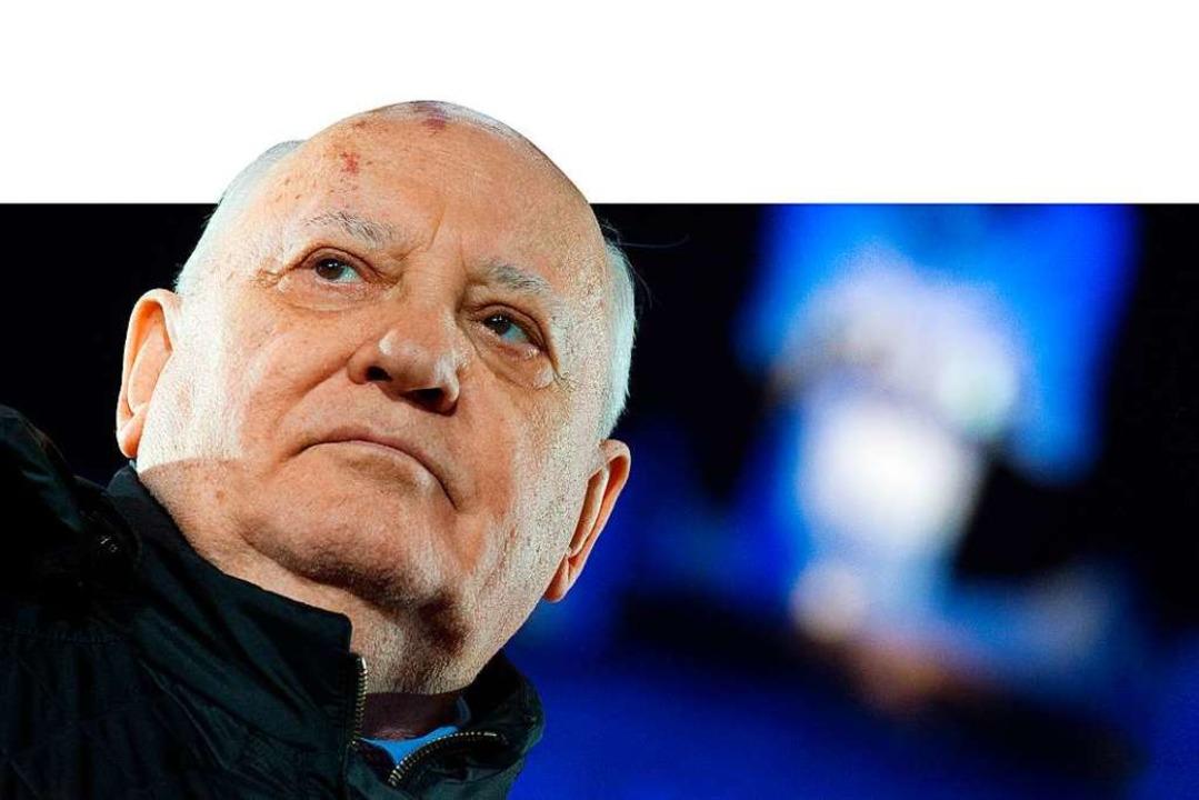 Michail Gorbatschow beendete das atoma... dem Friedensnobelpreis ausgezeichnet.  | Foto: Bernd von Jutrczenka