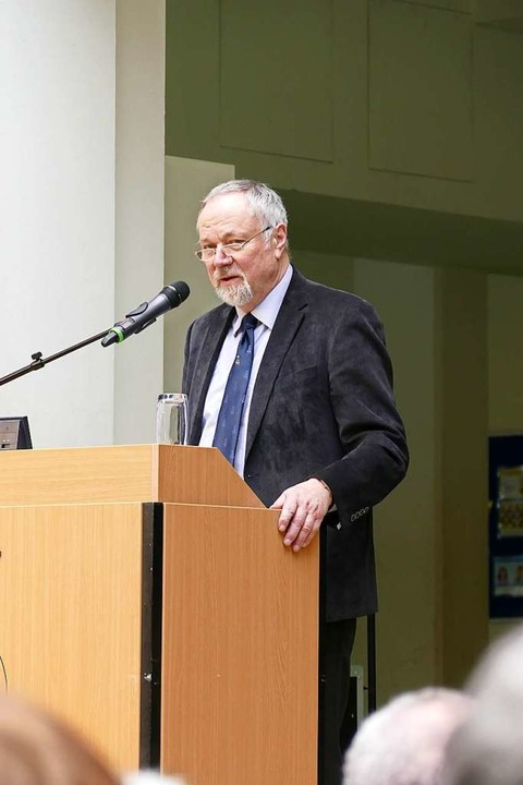 "Buchpremiere ""Waldkirch - da war...;, Verleger Helmut Donat, Donat-Verlag  | Foto: Sylvia Sredniawa"
