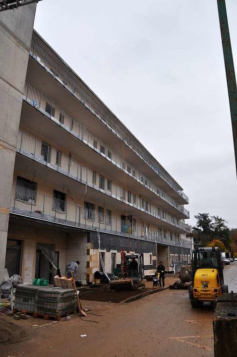 m Erdgeschoss des neuen Dietrich-Bonho...htet werden. Am Haus wird noch gebaut.  | Foto: Nicolai Kapitz