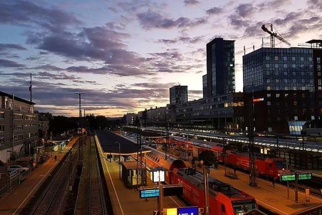 Früh um sieben am Freiburger Hauptbahnhof