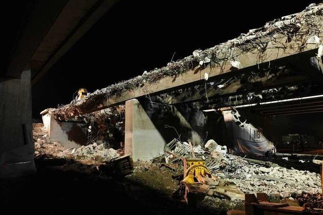 Fotos: Abriss der Autobahnbrücke an der Anschlussstelle Rust/Ringsheim