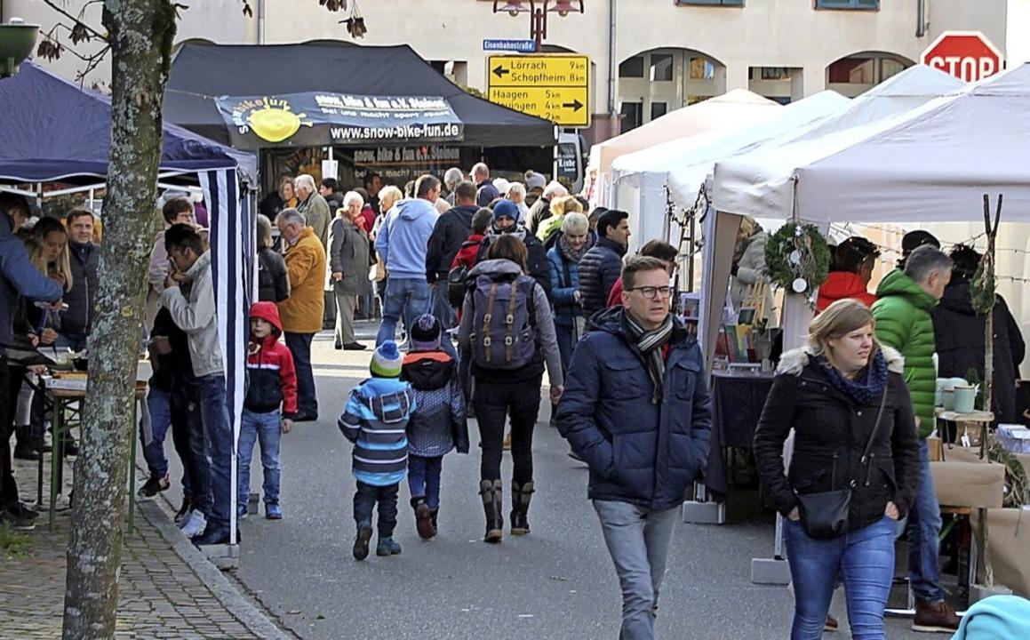 Der Martinimarkt erwies sich erneut als Besuchermagnet.   | Foto: Yvonne Rünzi