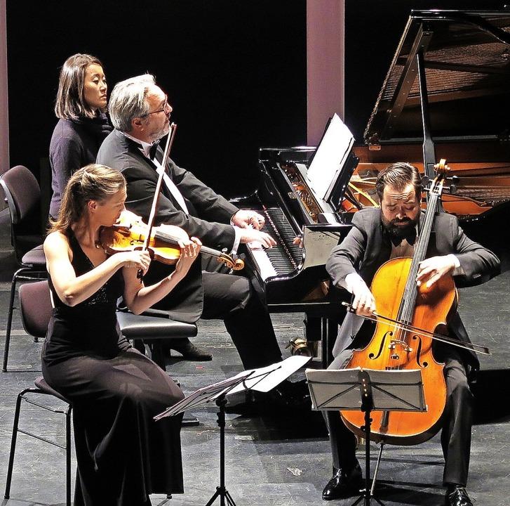 Das Atos-Trio mit Annette von Hehn (Vi...Heinemeyer (Cello) bei den Musiktagen     Foto: Dorothee Philipp