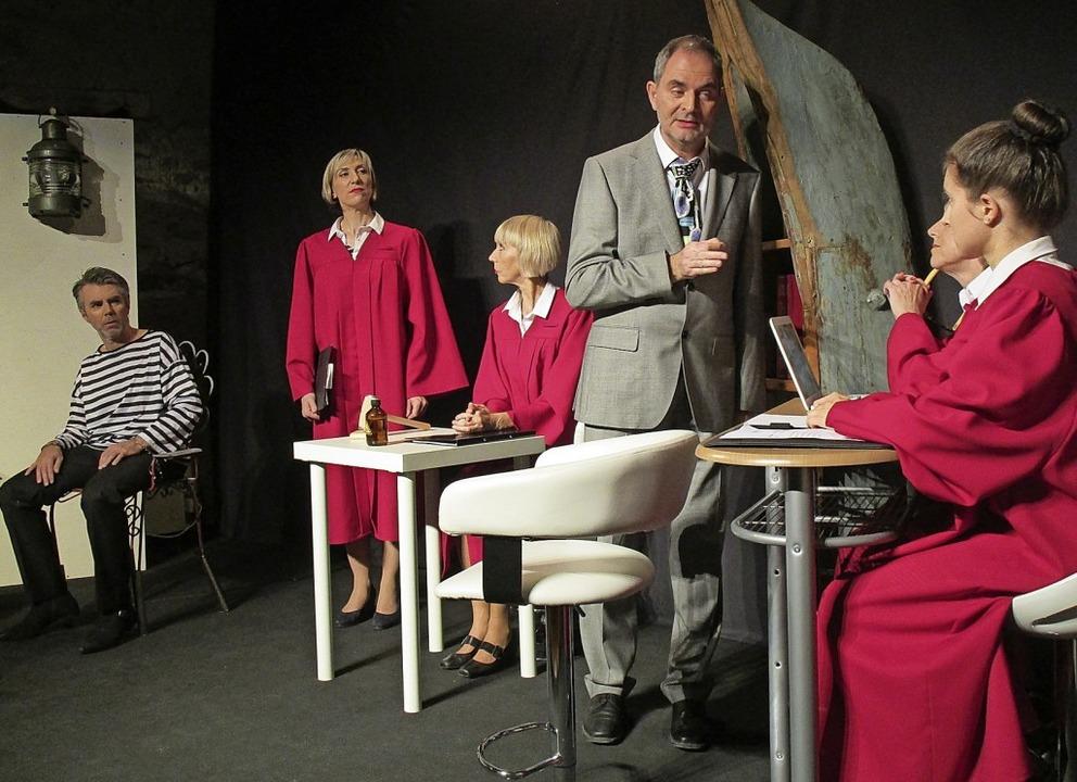 Eine formidable Premiere hat das Wiwa-...mhof (verdeckt) und Katharina Theurer   | Foto: Peter Schütz
