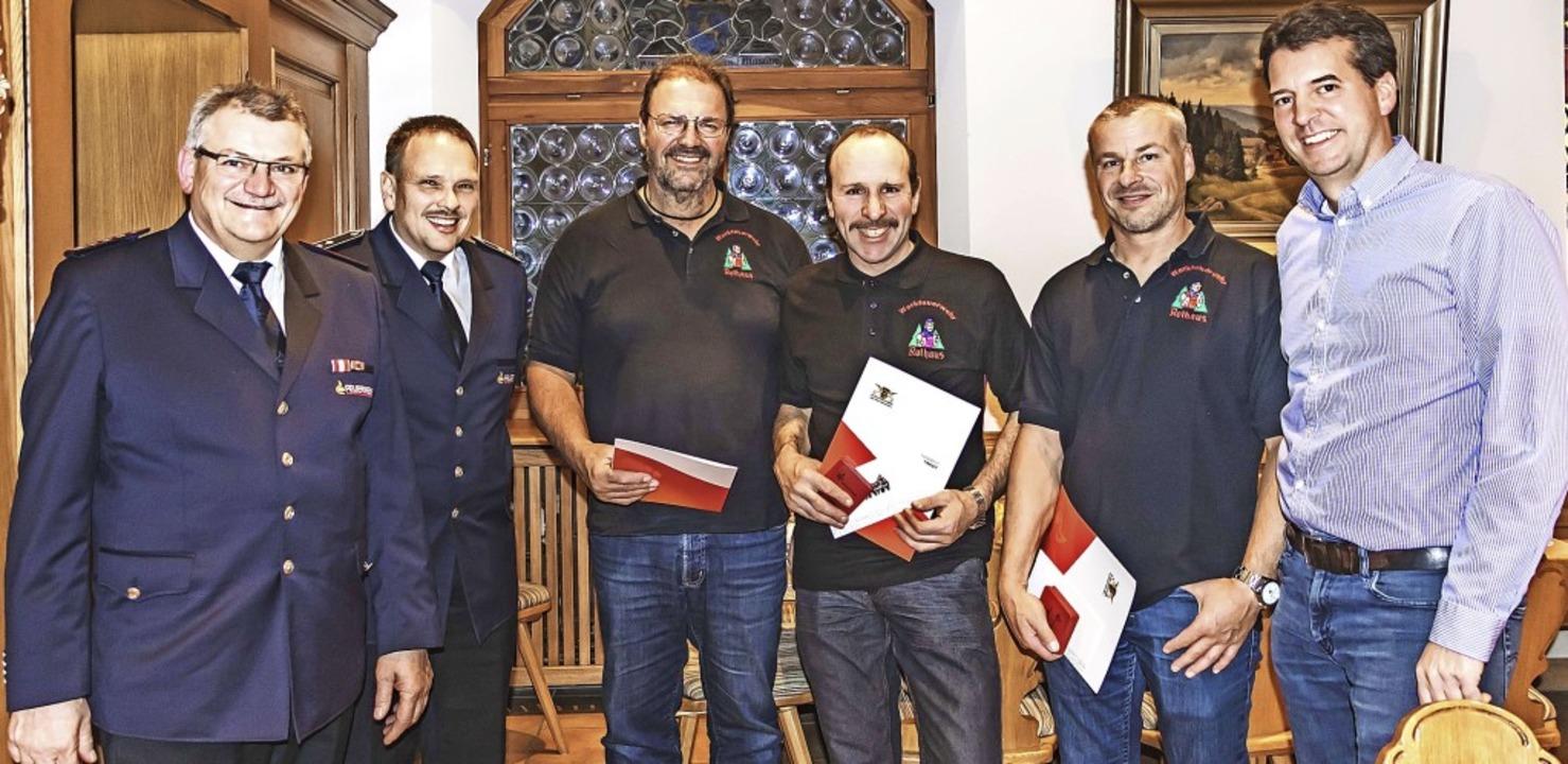 Konrad Kaltenbacher, Clemens Huber (vo...ahrner und Thomas Reich ausgezeichnet.    Foto: Wilfried Dieckmann