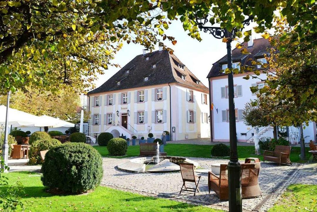 Die Familie Gessler führt seit 2007 da... Schloss Reinach in Freiburg-Munzingen  | Foto: Rita Eggstein