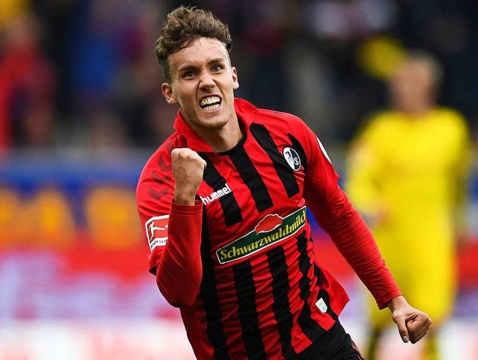 Für den SC hat der Stürmer und Nationa...ler bereits 15 Bundesligatore erzielt.  | Foto: Patrick Seeger (dpa)