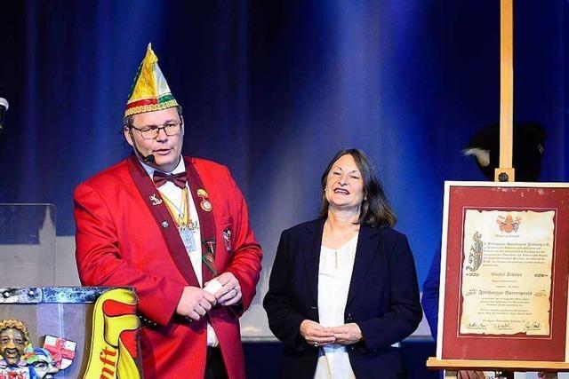 Breisgauer Narrenzunft ehrt Regierungspräsidentin Bärbel Schäfer mit dem Narrenpreis 2019