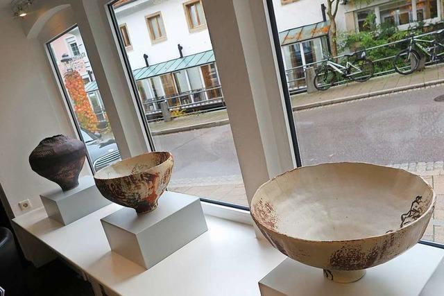 Stadtwerke Müllheim-Staufen zeigen Werke der Keramikerin Elisa Stützle-Siegsmund