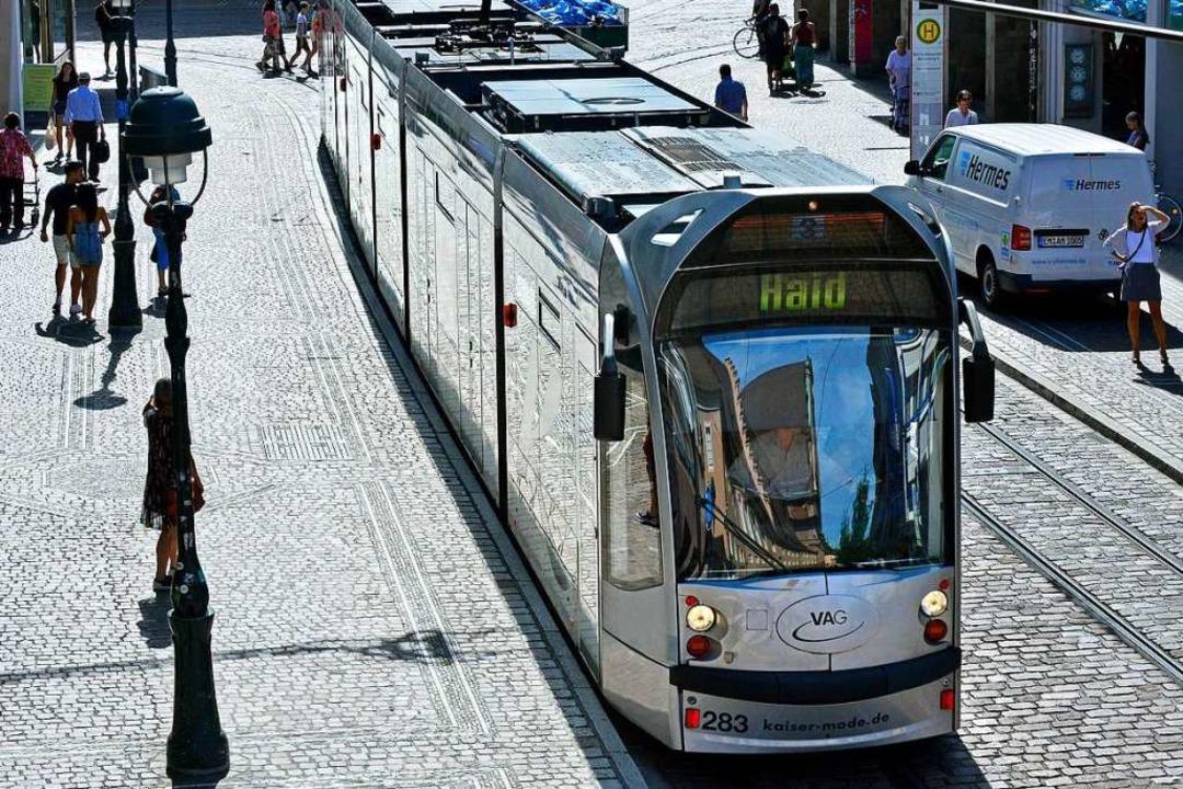 Am Freitag versteigert VAG Fundsachen aus Freiburger Bussen und Trams.  | Foto: Michael Bamberger