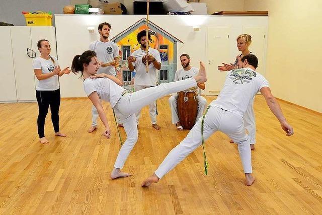 Bei Cordão-de-Ouro- Capoeira-Variante in Freiburg geht's um spielerische Beweglichkeit