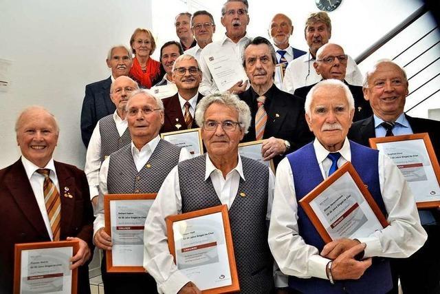 Die Chorgruppe Freiburg im Chorverband Breisgau nutzte ihr Matineekonzert für Auszeichnungen