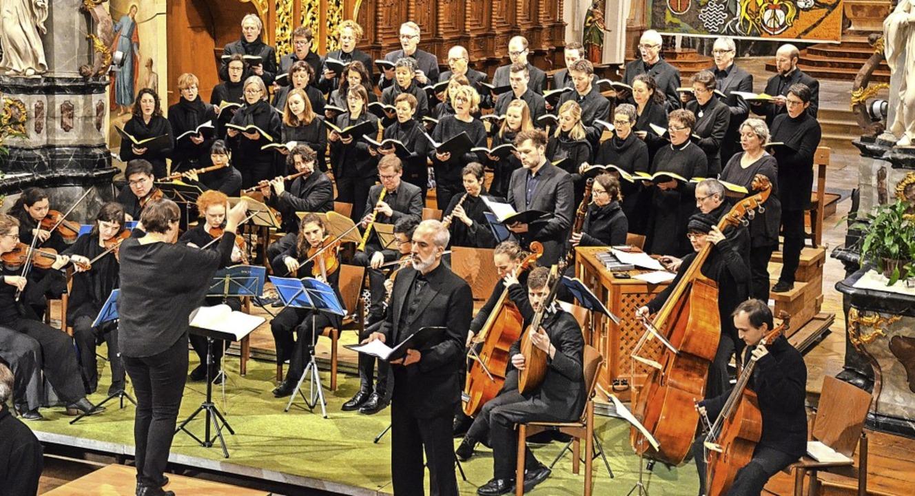 Karin Karle dirigiert auch am Sonntag ...und das Barockorchester St. Trudpert.   | Foto: Gabriele Hennicke