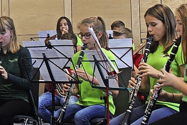 60 junge Musikerinnen und Musiker geben Konzert