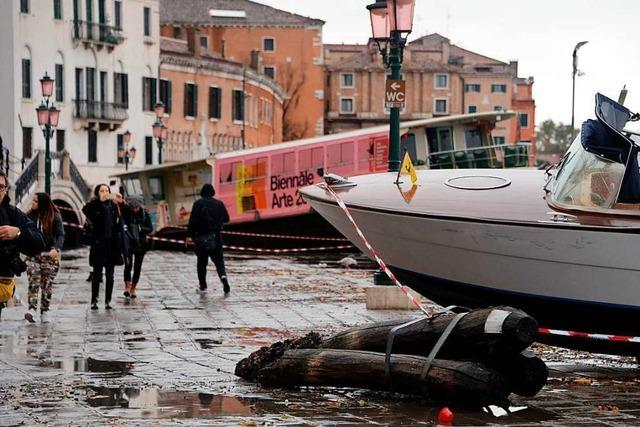 Hochwasser flutet Straßen und Paläste in Venedig