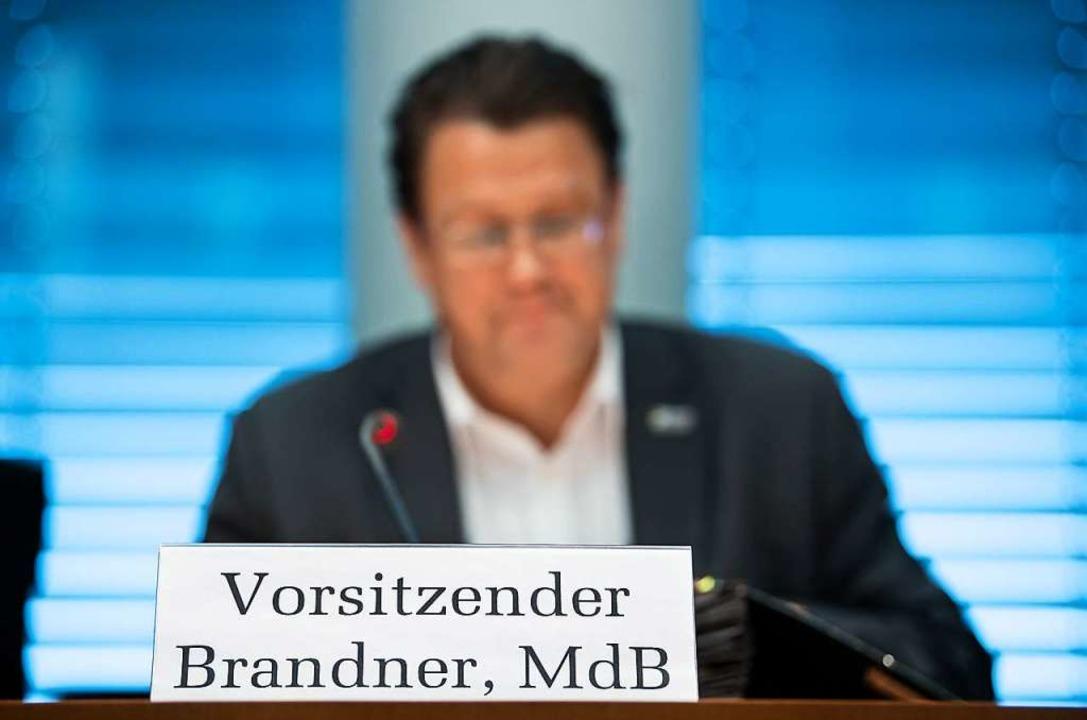 Als er am Mittwoch die Sitzung des Rec...e Tagesordnungspunkt war seine Abwahl.  | Foto: Bernd von Jutrczenka (dpa)