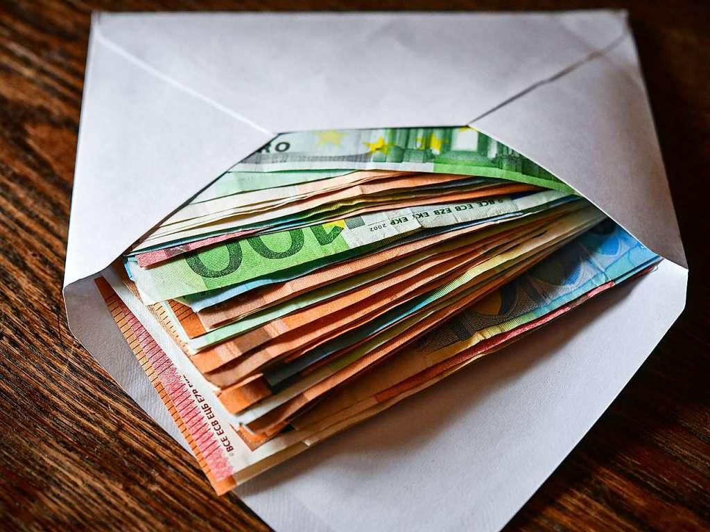 52-Jähriger wollte Lahrer Rathausmitarbeiter mit 1000 Euro umstimmen - Lahr - Badische Zeitung