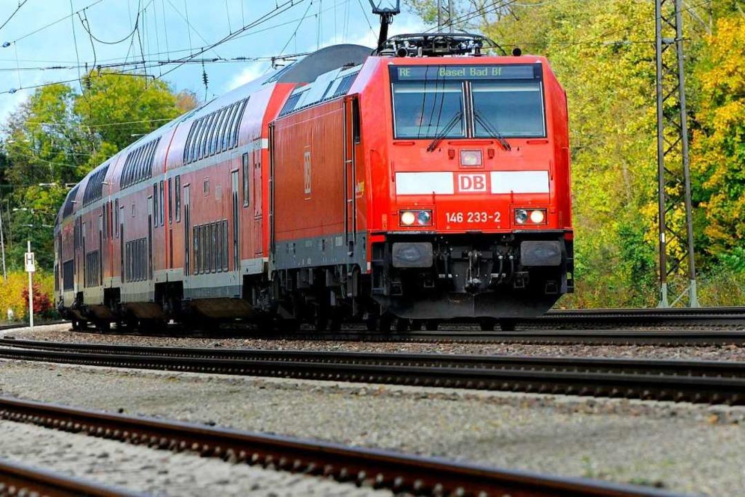 Viele Umwege müssen Zugreisende am Wochenende in Kauf nehmen.  | Foto: Siegfried Gollrad