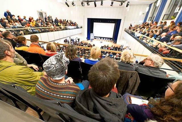 900 Freiburger diskutieren emotional über Mobilfunkstandard 5G