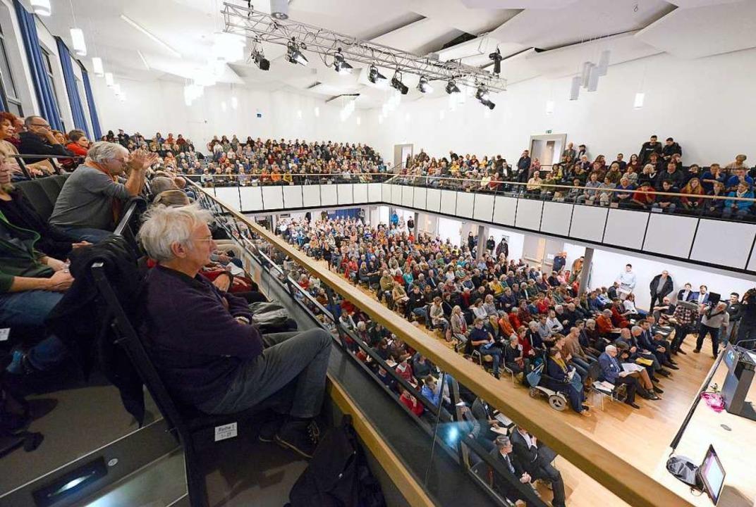Das Aktionsbündnis Freiburg 5G-frei ha...iner Unterschriftensammlung erzwungen.  | Foto: Ingo Schneider