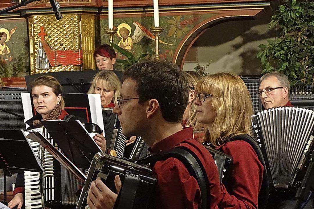 In der Heilig-Geist-Kirche musizieren die Harmonikaspieler  am Sonntag.  | Foto: Susanne Schleinzer-Bilal