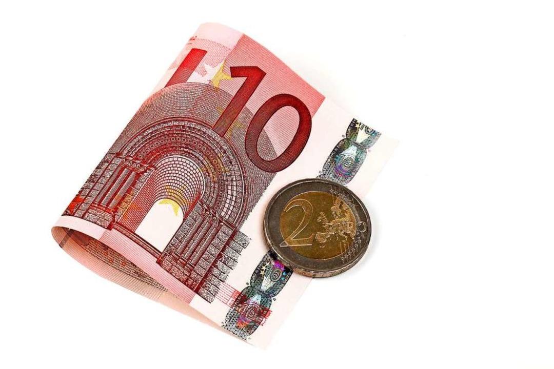 Auf 12 Euro pro Stunde wollen manche Politiker den Mindestlohn erhöhen.  | Foto: Klaus Eppele  (stock.adobe.com)