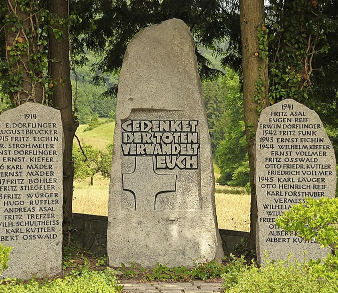 Gedenken an die Kriegstoten - Steinen - Badische Zeitung