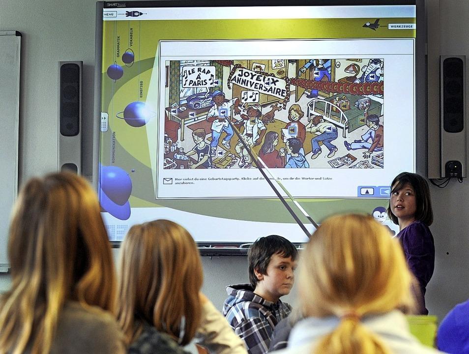 Zum Beispiel kann Französisch-Unterric...ards den Schülern vermittelt werden.    | Foto: Ingo Wagner