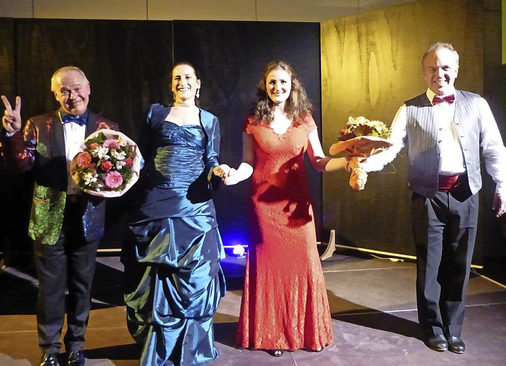 Die Künstler des Abends: Zsolt Lendvai... Alina Kirchgäßner,  und Mario Verkerk  | Foto: Anne Freyer