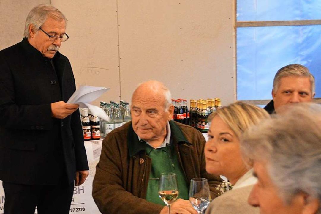 Rolf Brugger dankte den Bauarbeitern und Handwerkern.  | Foto: Horatio Gollin