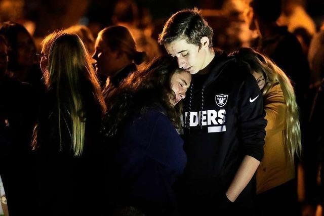 Mindestens zwei Teenager durch Schüsse an Schule in Kalifornien getötet
