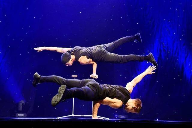 Dieses Berliner Künstlerduo kombiniert Breakdance und Akrobatik
