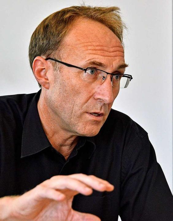 """Freiburgs Baubürgermeister Martin Haag...den Zusagen im Bürgerentscheid.""""    Foto: Michael Bamberger"""