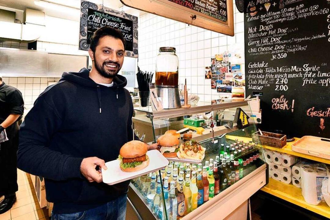 Der Freiburger: Küchenchef Asad Syed serviert in der Schiffstraße.  | Foto: Thomas Kunz