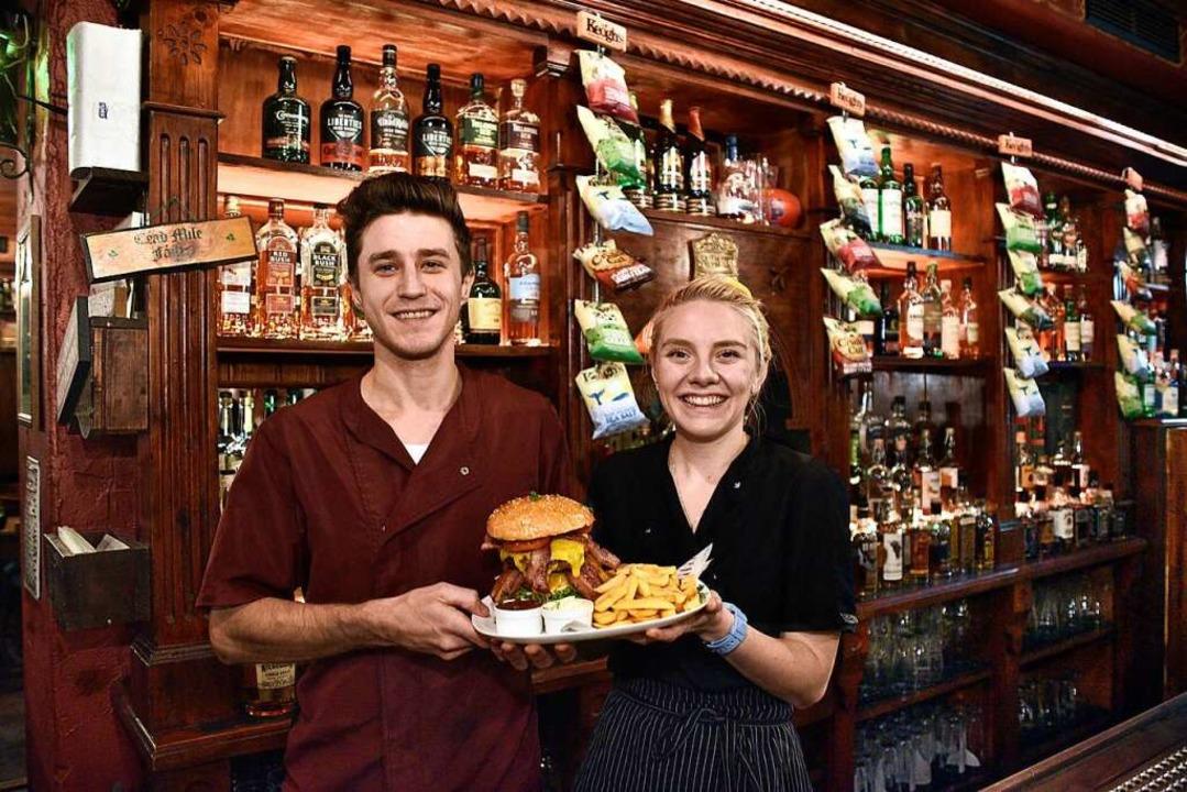 Küchenchefs im O'Kellys: Michael Chapline und Kaitlyn Conway  | Foto: Thomas Kunz