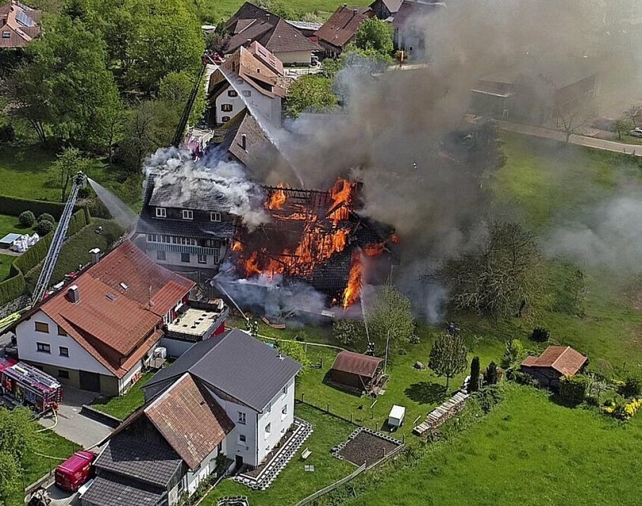 Der Großbrand am 5. Mai zerstörte einen ganzen Komplex.  | Foto: Rudolf Tscheulin
