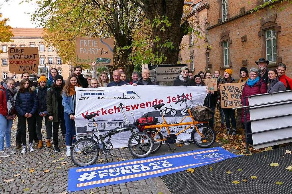 Klimabündnis mahnt bei Stadträten die entschiedene Verkehrswende an - Offenburg - Badische Zeitung
