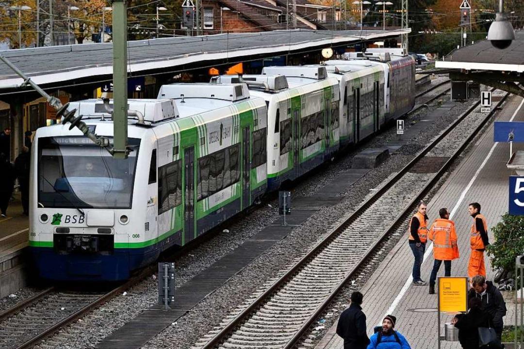 Am betroffenen Zug der Breisgau-S-Bahn...keine äußerlichen Schäden zu erkennen.  | Foto: Thomas Kunz