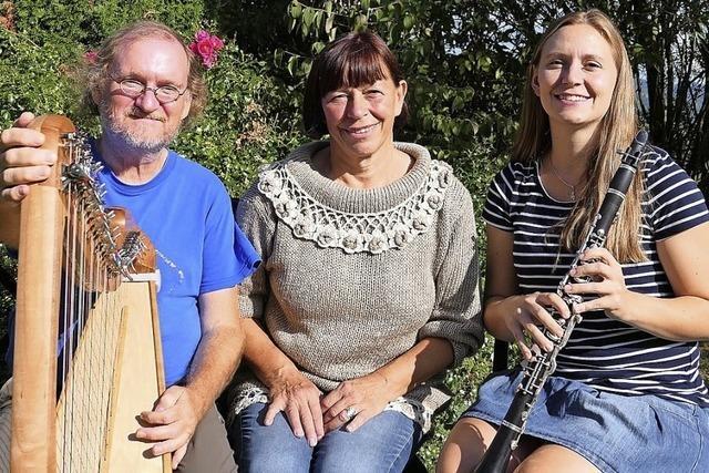 Eva Koch, Hildegard Koch und Christoph Pampuch gestalten