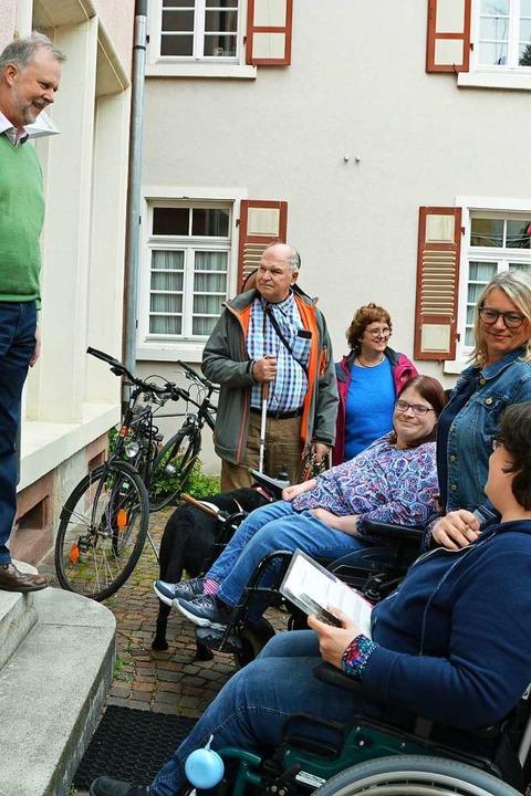 Treppenstufen stellen  für  Menschen mit Behinderung  Hindernisse dar.  | Foto: Gerhard Lück